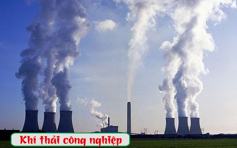 Hoạt động công nghiệp thải ra khí CO2 với lượng lớn