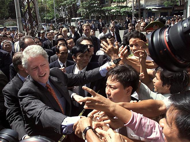 """Tổng thống Bill Clinton với chuyến đi """"phá băng"""""""